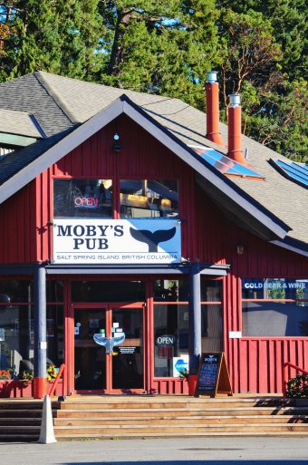 Moby's, an island institution